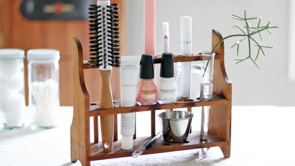 DIY makeup organizing